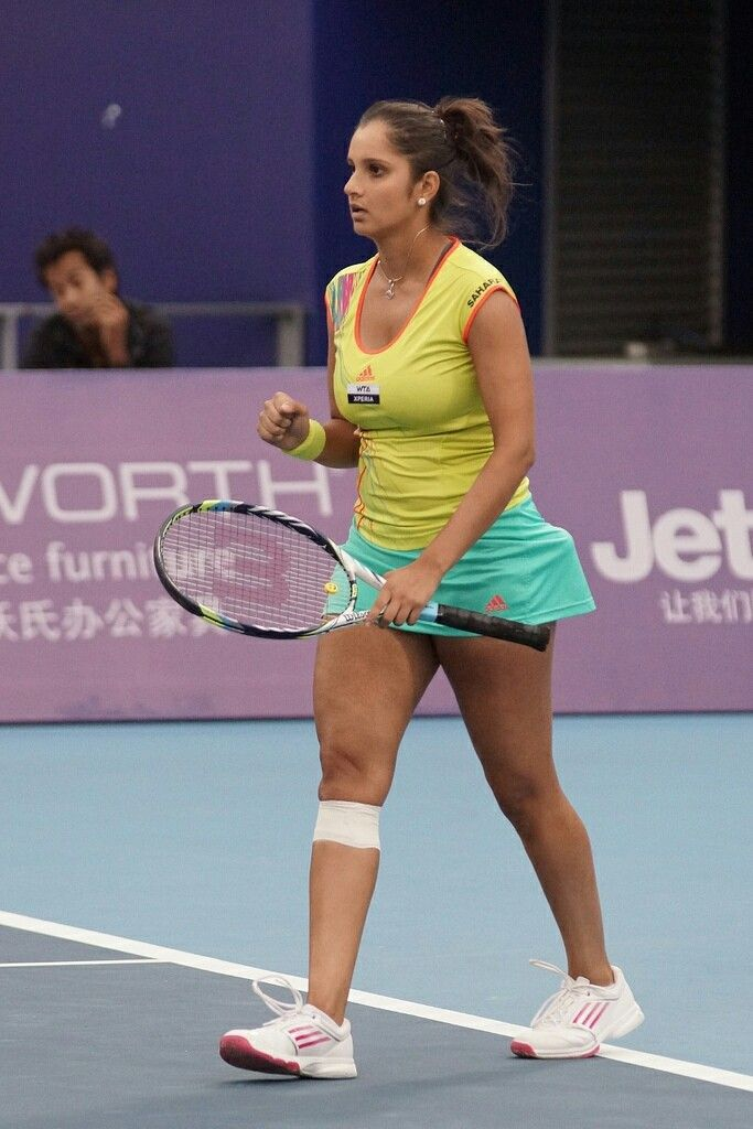 Sania Mirza damm hot photo