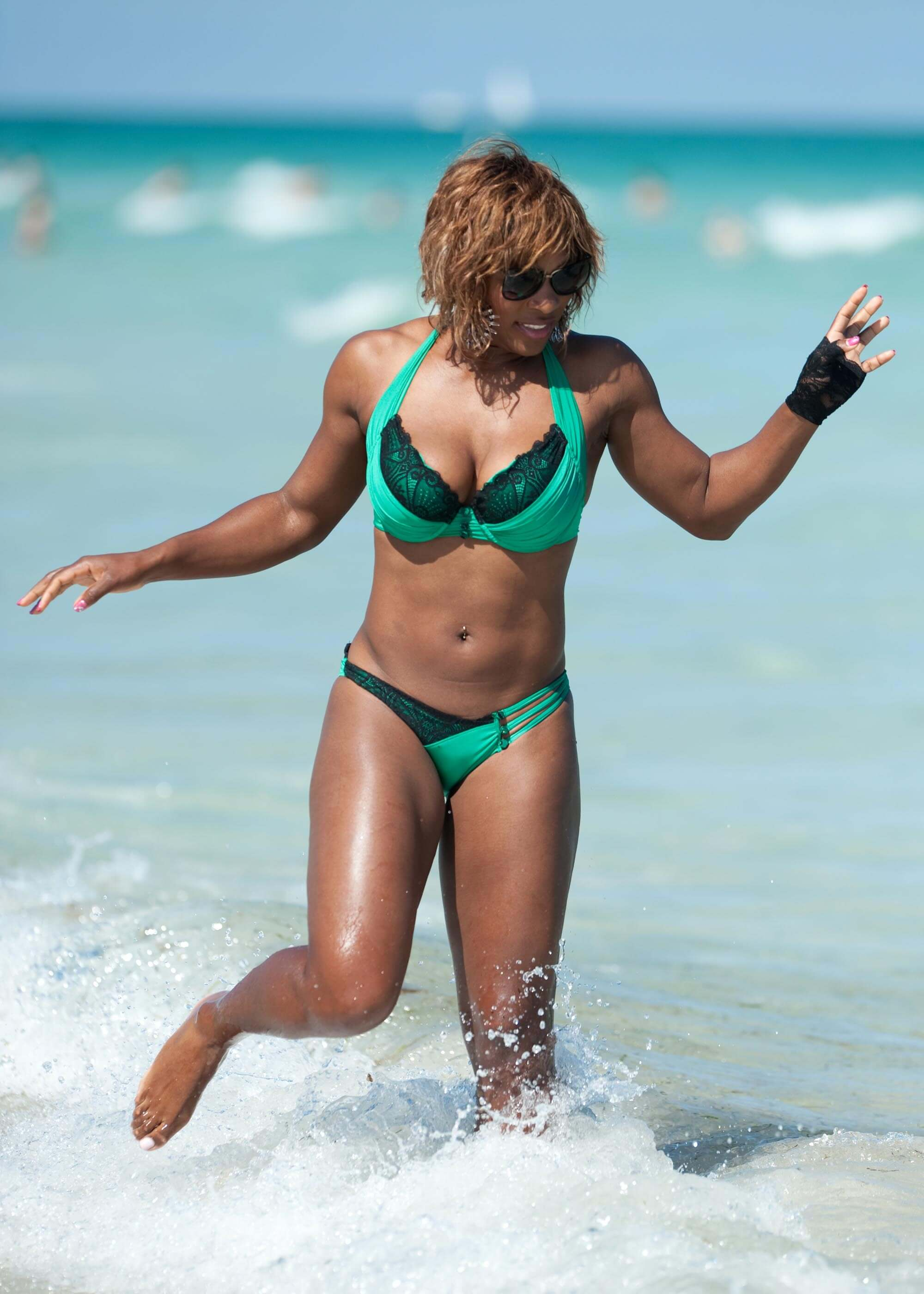 Serena Williams hot busty photo (2)