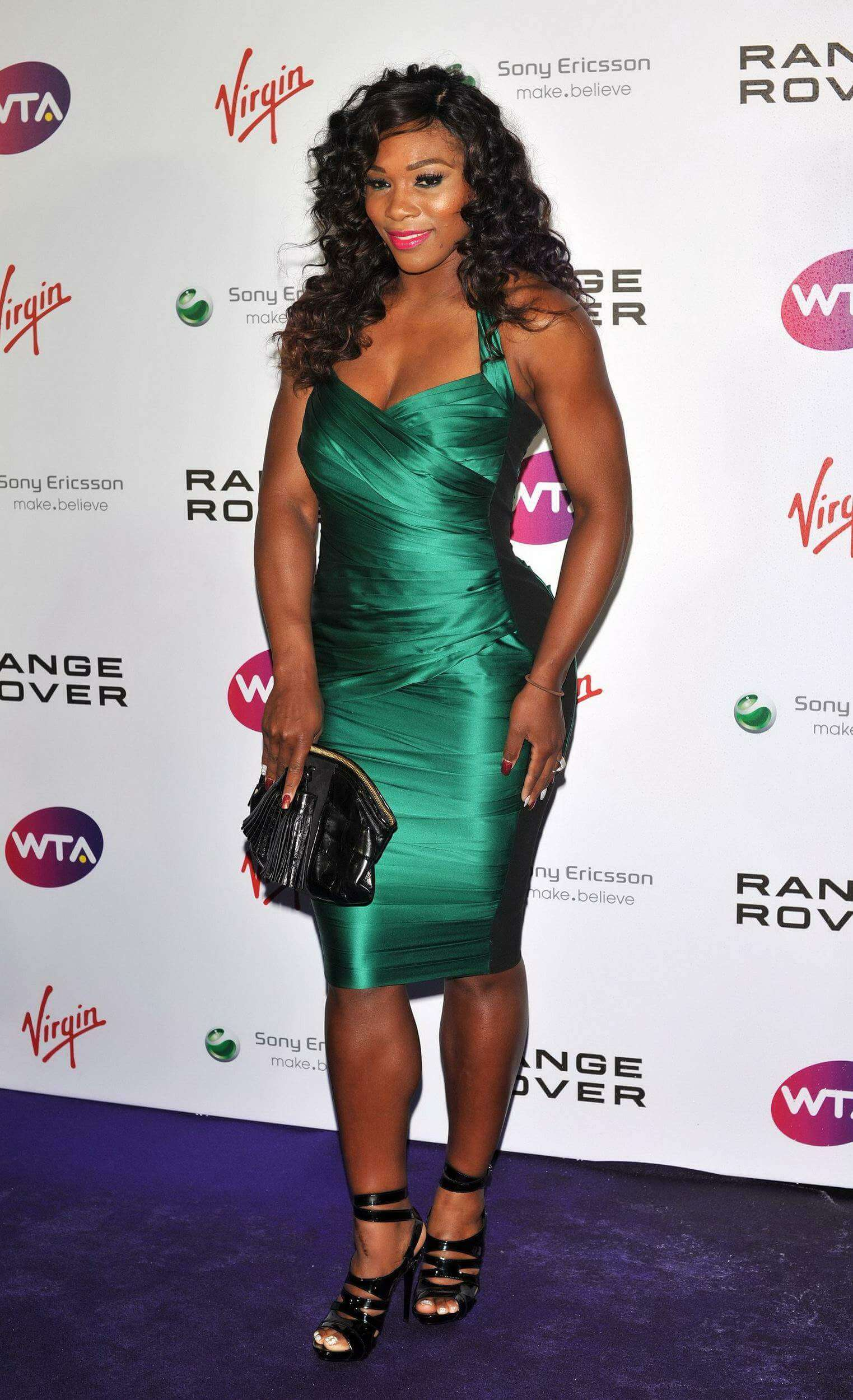 Serena Williams hot busty photo