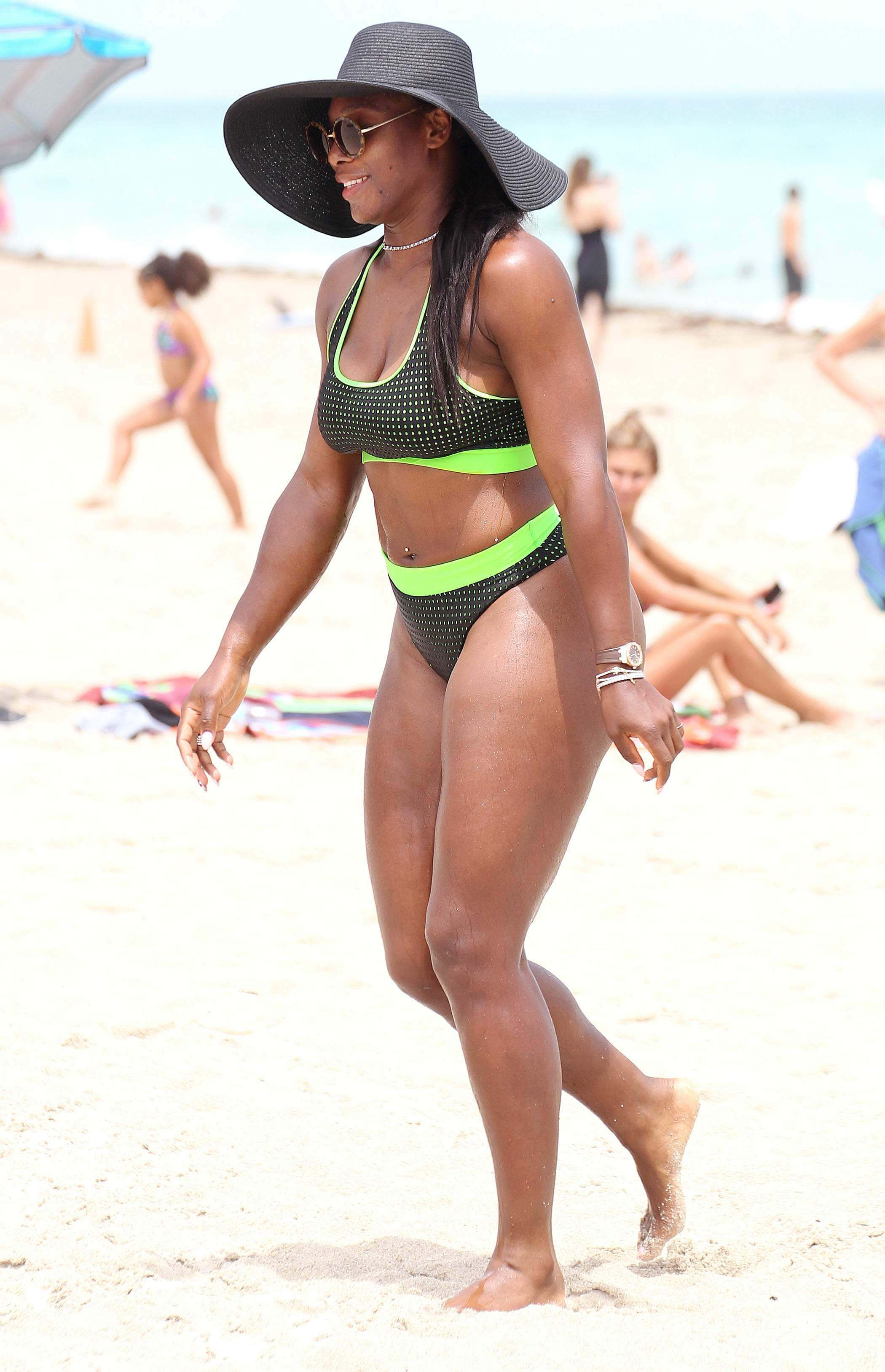 Serena Williams hot lingerie pics