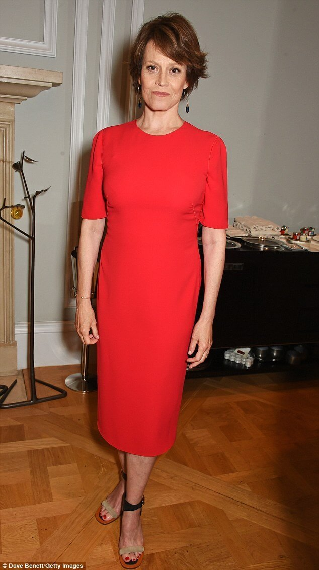 Sigourney Weaver awesome red dress