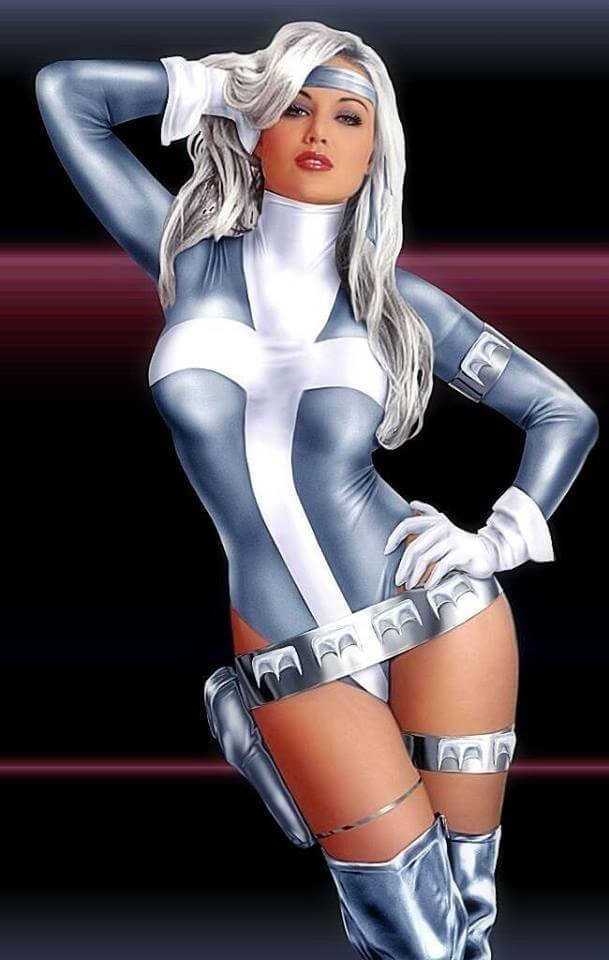Silver Sable sexy thigh