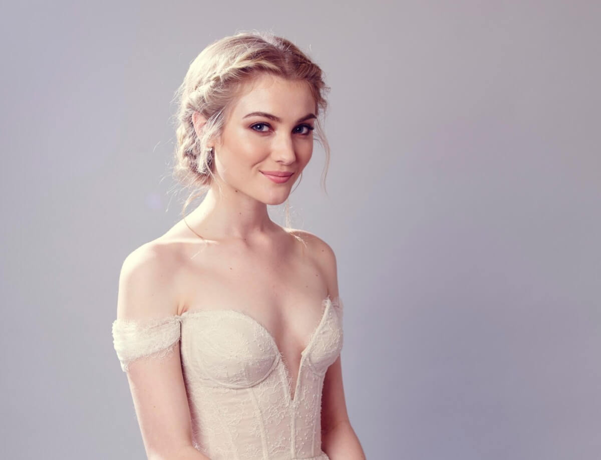 Skyler Samuels side boobs