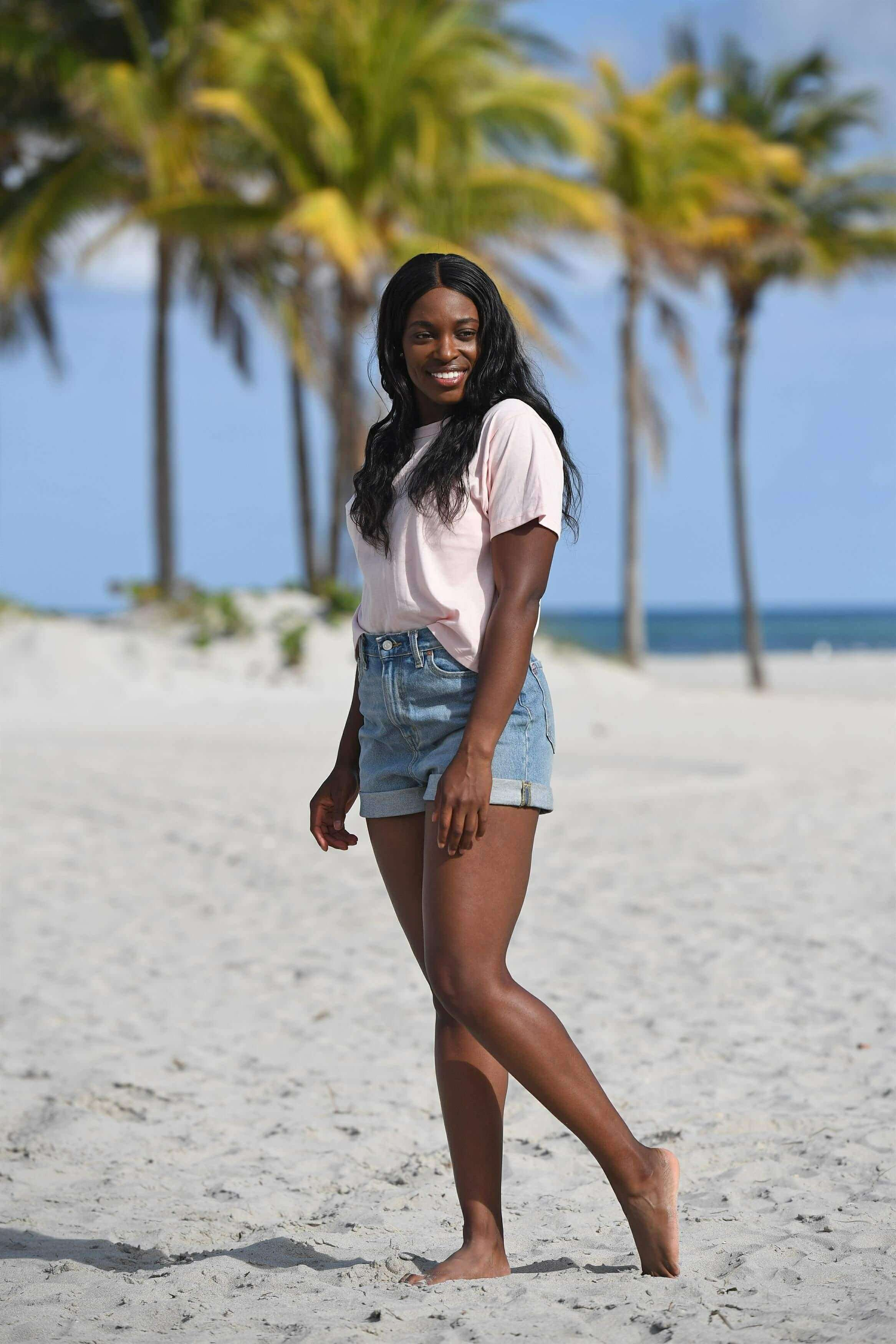Sloane Stephens hot legs (2)