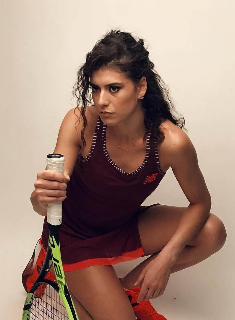 Sorana Cirstea hot cleavages pics
