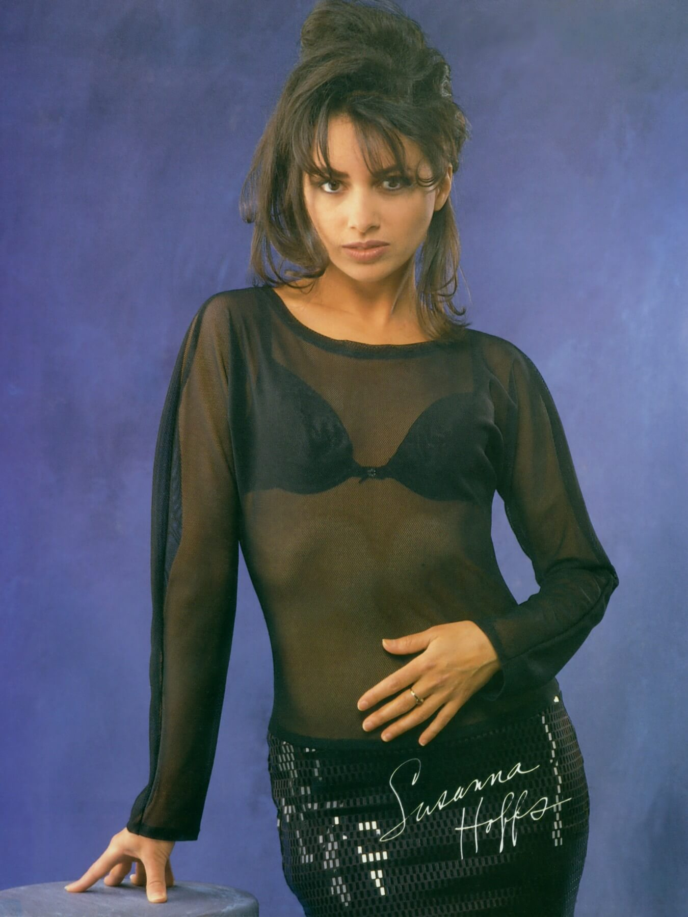 Susanna Hoffs sexy cleavages picture