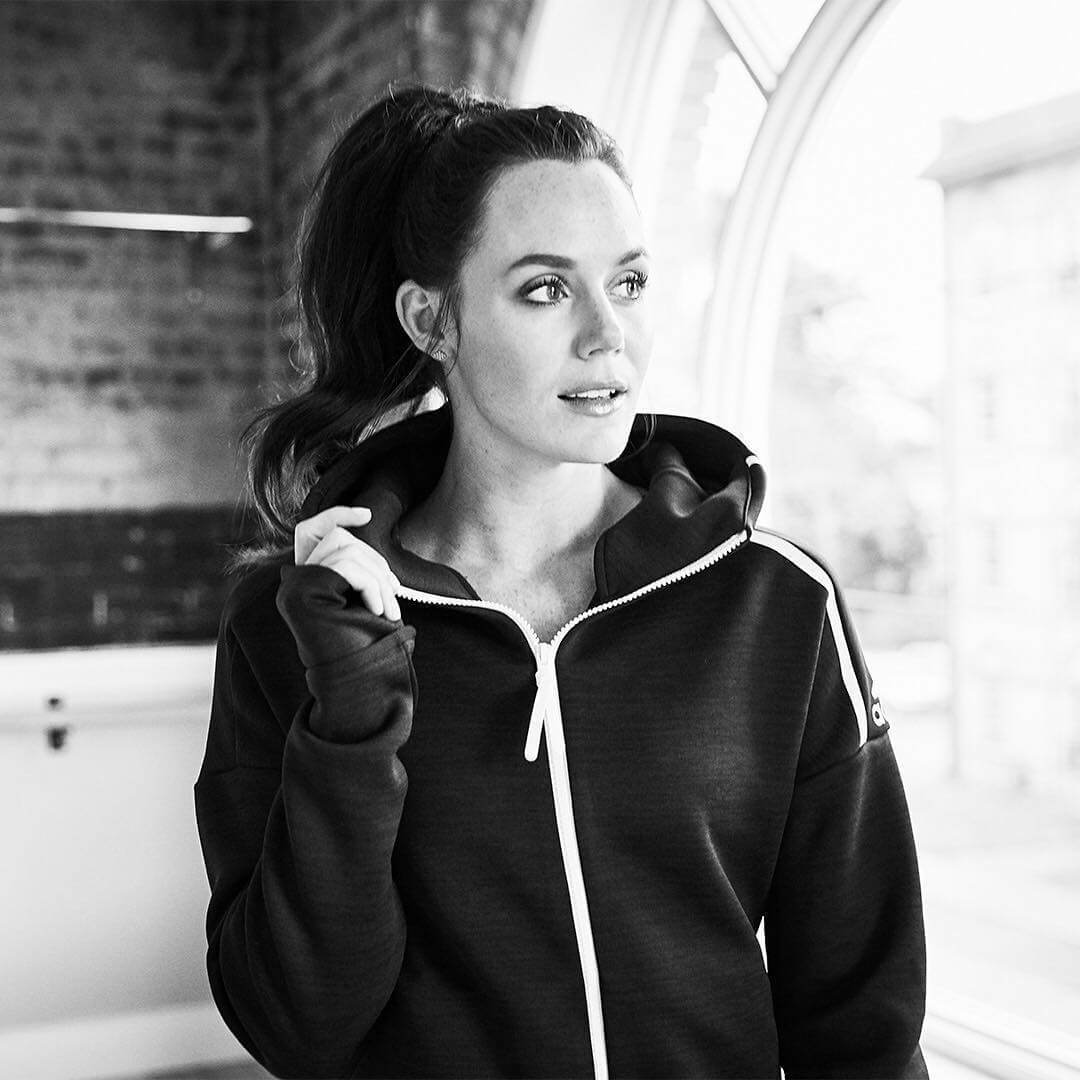 Tessa Virtue awesome pic