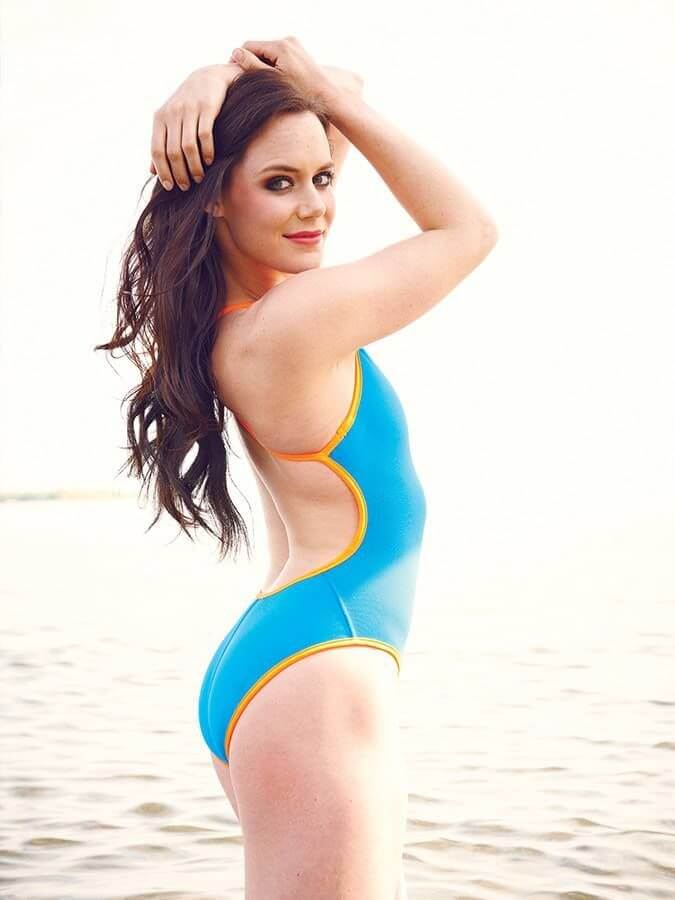 Tessa Virtue sexy side look