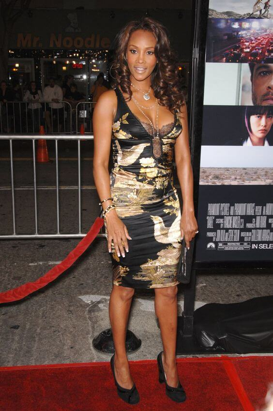 Vivica A. Fox sexy cleavages pic