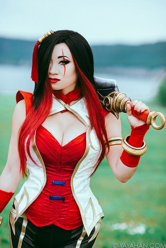 Yaya Han awesome cleavags
