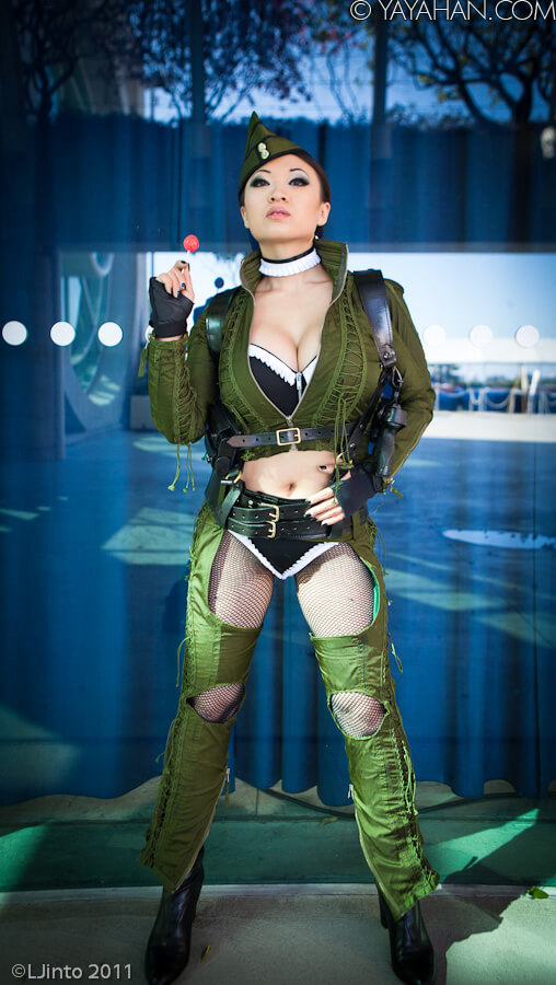 Yaya Han cleavages pic