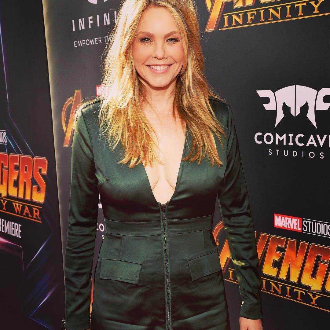 andrea roth cleavage pics