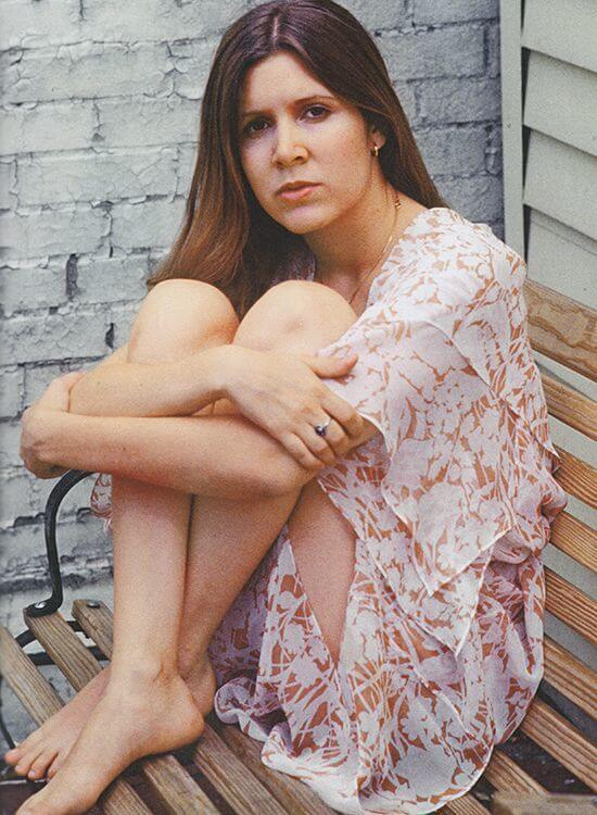 carrie fisher bare feet pics
