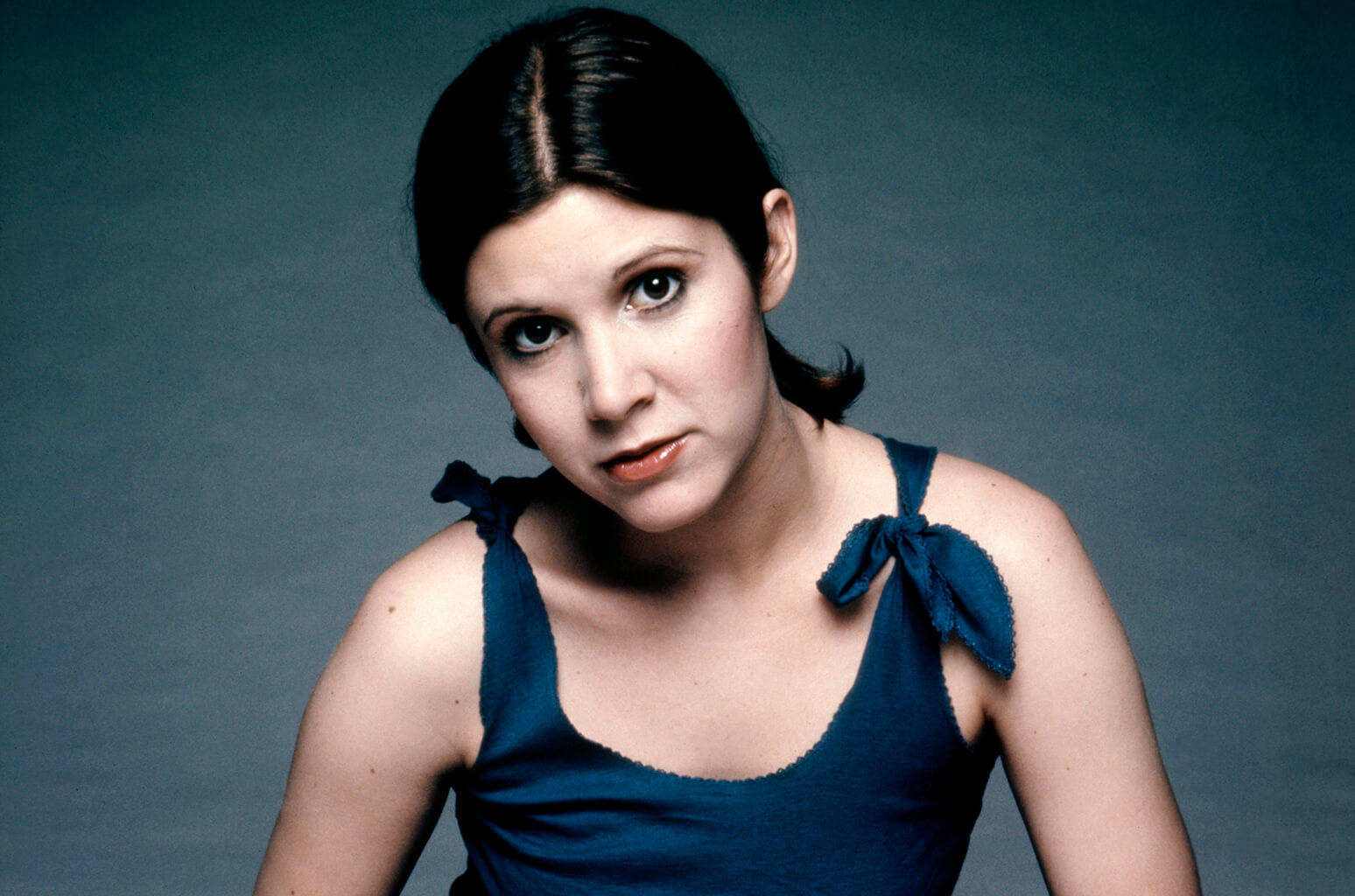 carrie fisher looking hot