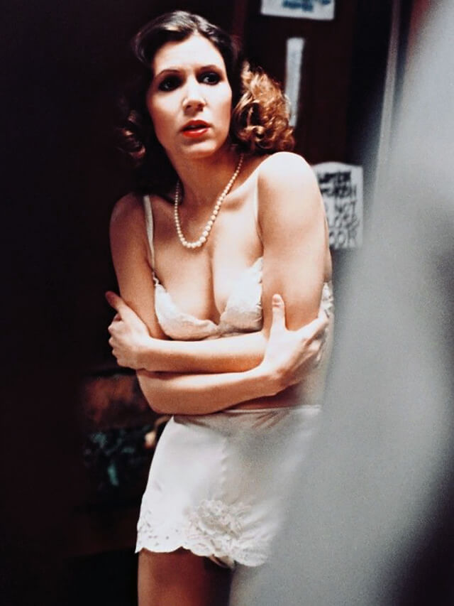 carrie fisher sexy look