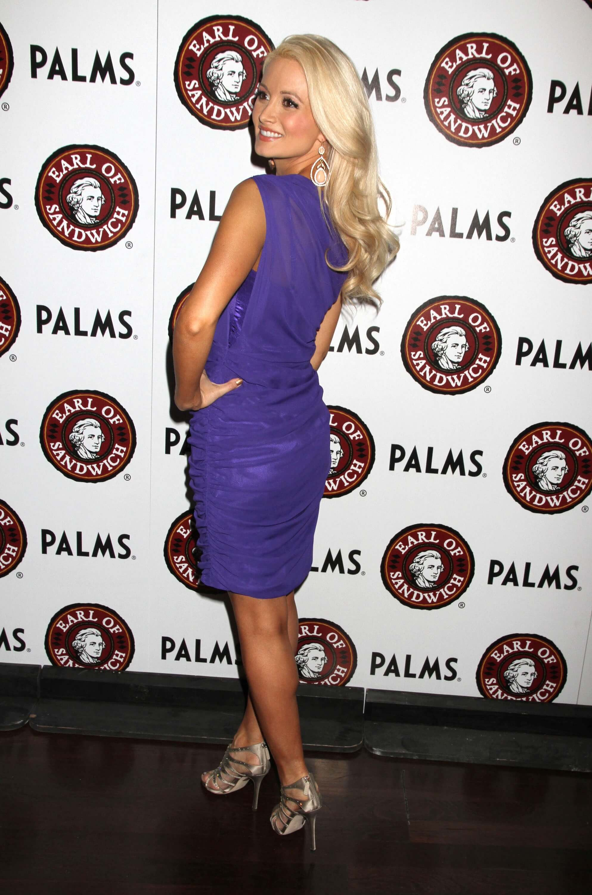 holly madison ass pics