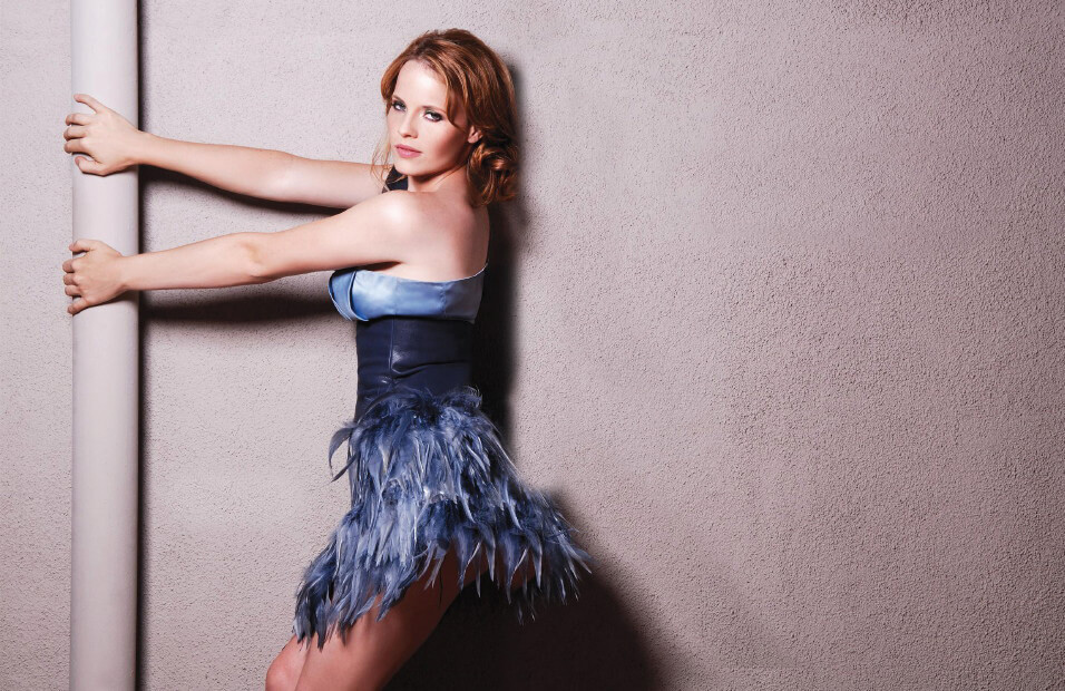 katie leclerc sexy look