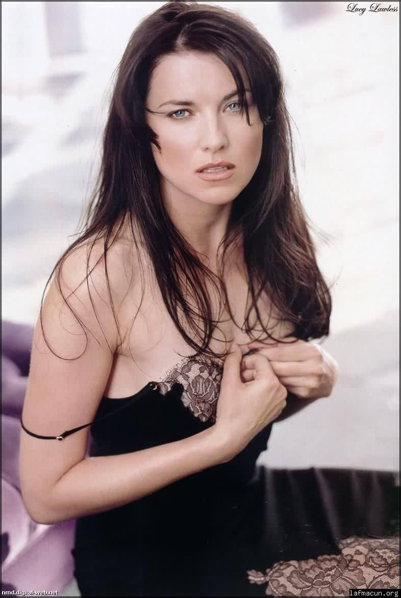 lucy lawless looking hot