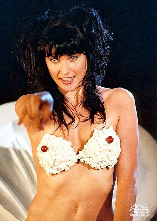 lucy lawless near nude