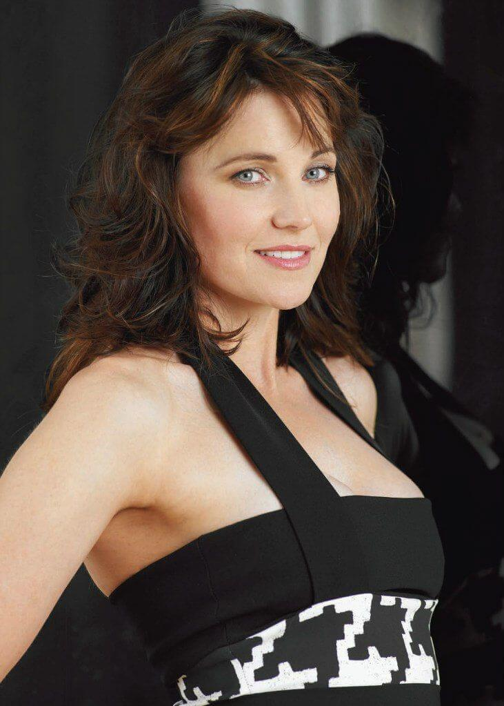 lucy lawless sexy eyes