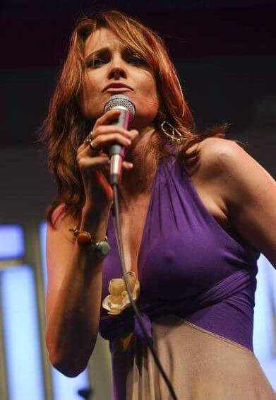 lucy lawless singing
