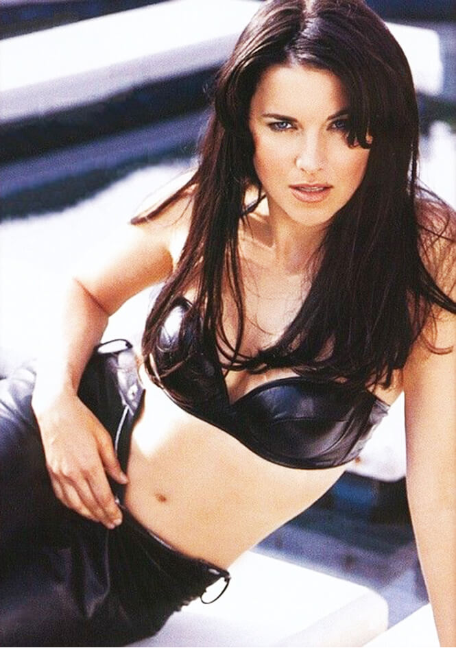 lucy lawless too sexy