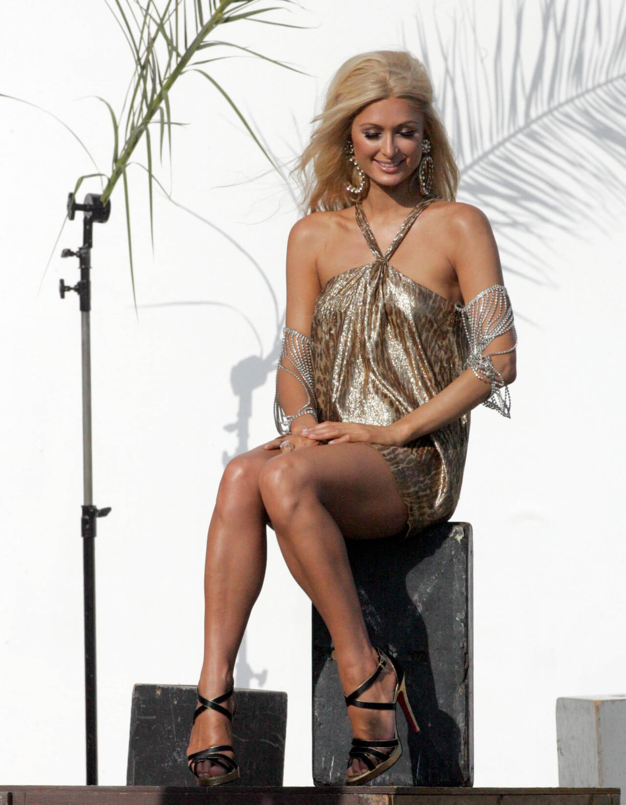 paris-hilton sexy dress (3)