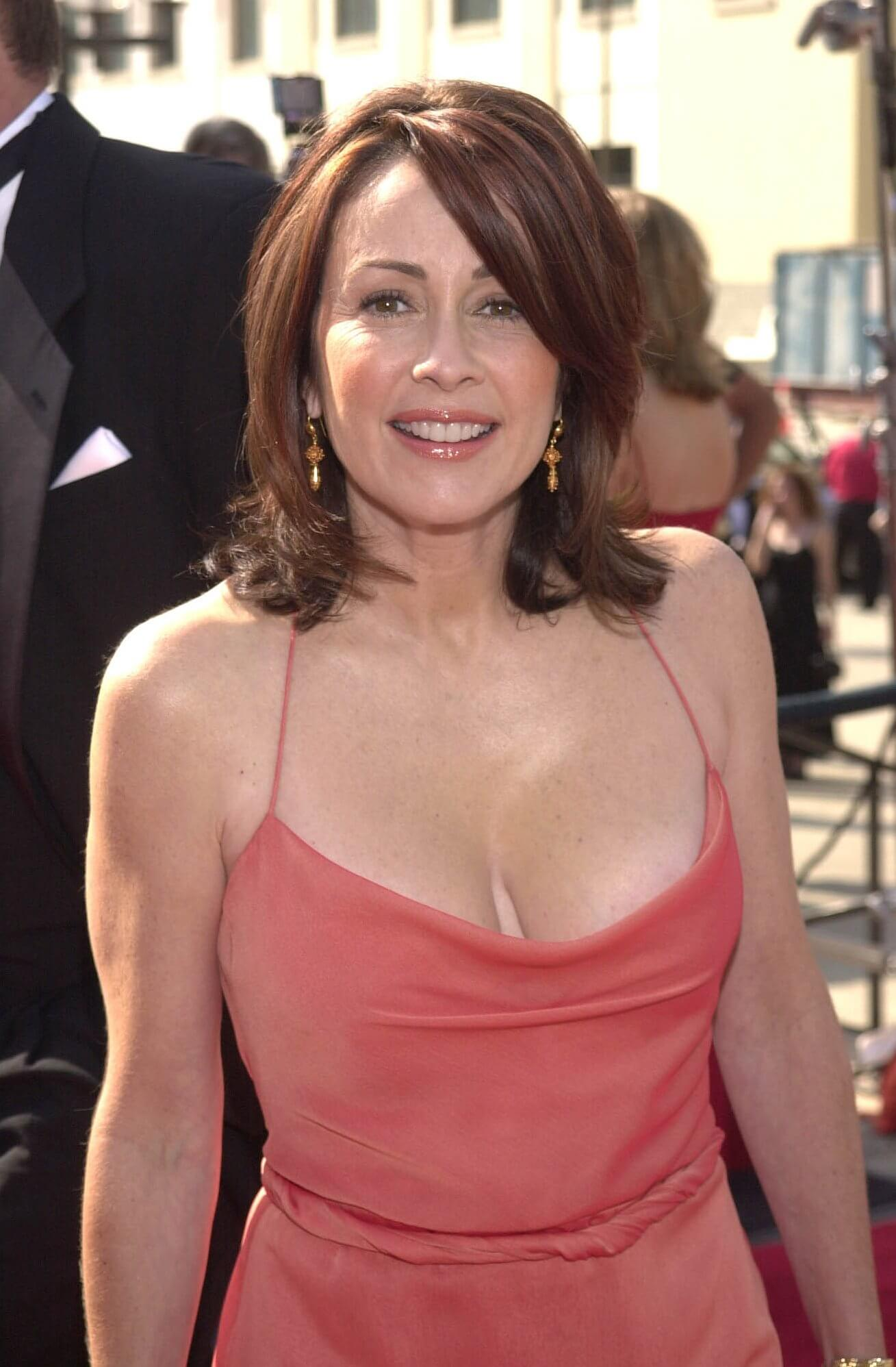 patricia heaton cleavage