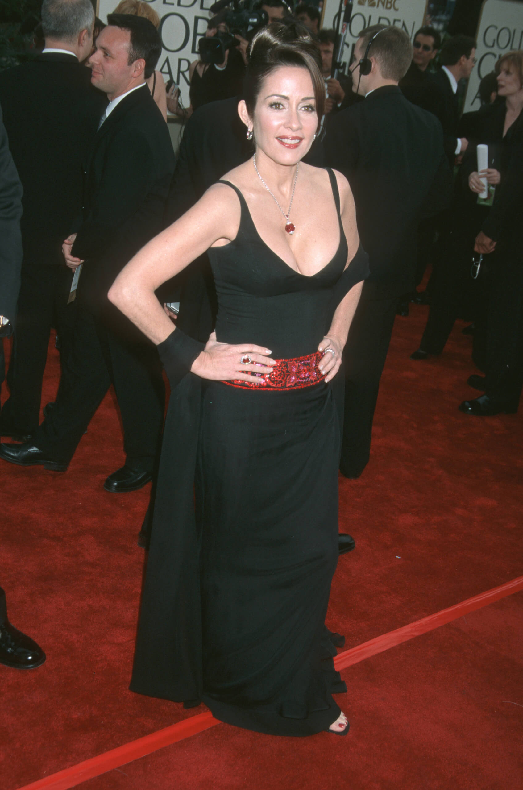 patricia heaton hot cleavage