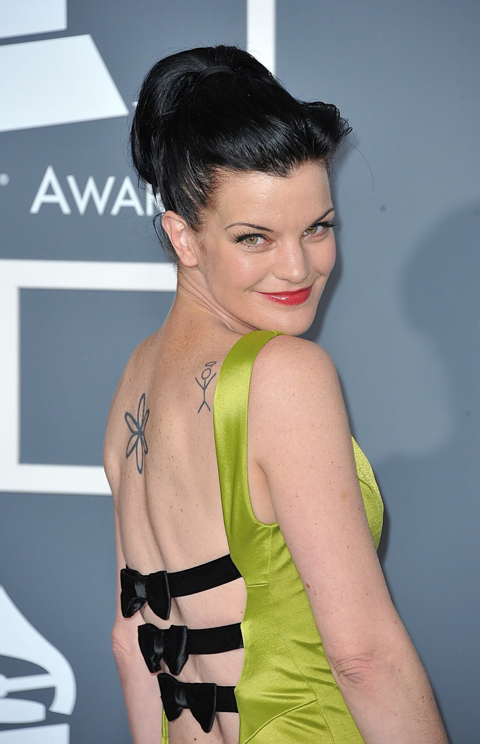 pauley perrette sexy back