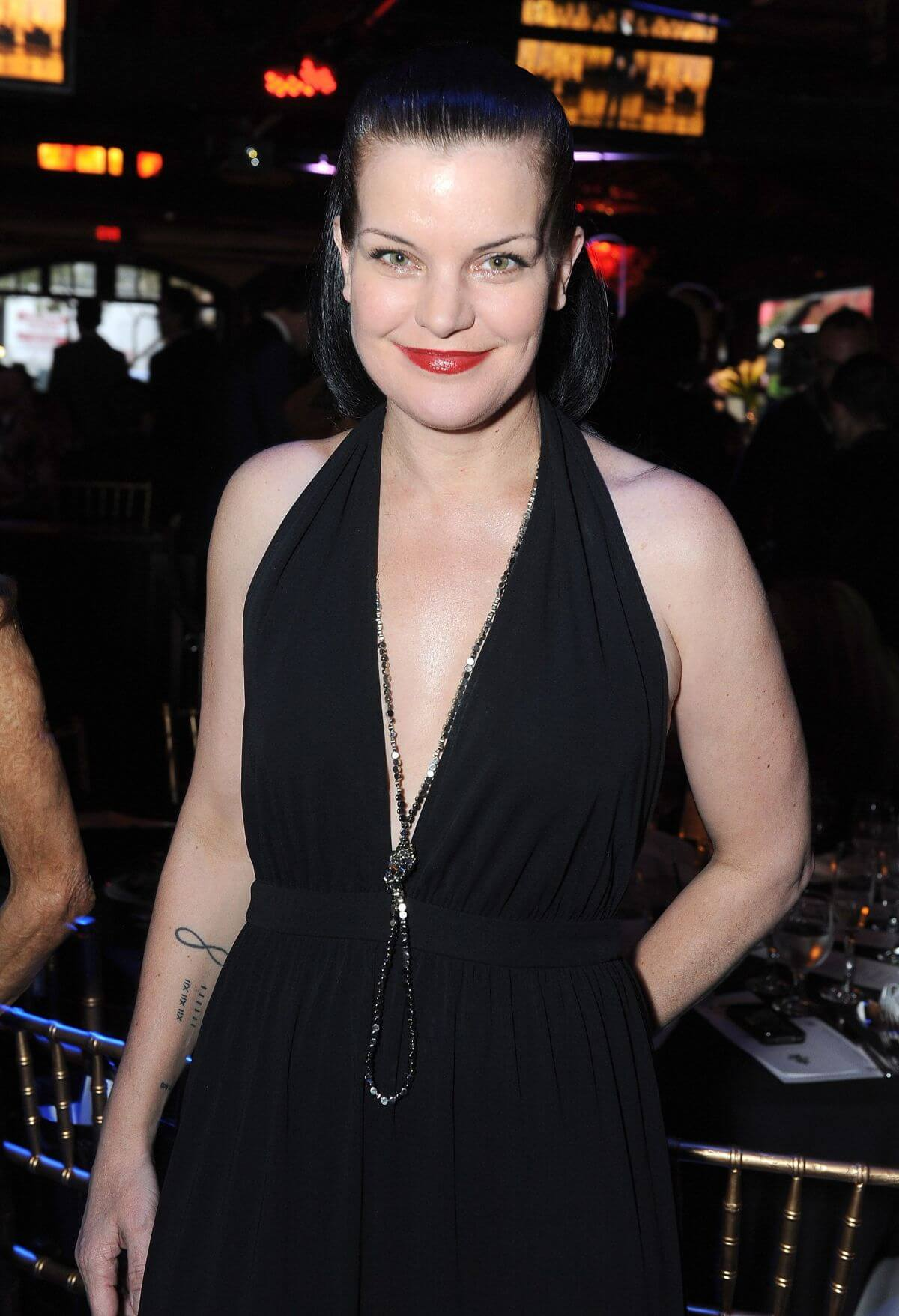 pauley perrette sexy cleavage