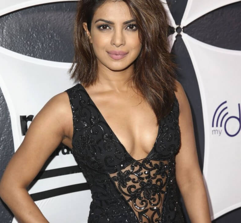 priyanka-chopra-hot-sexy-boobs