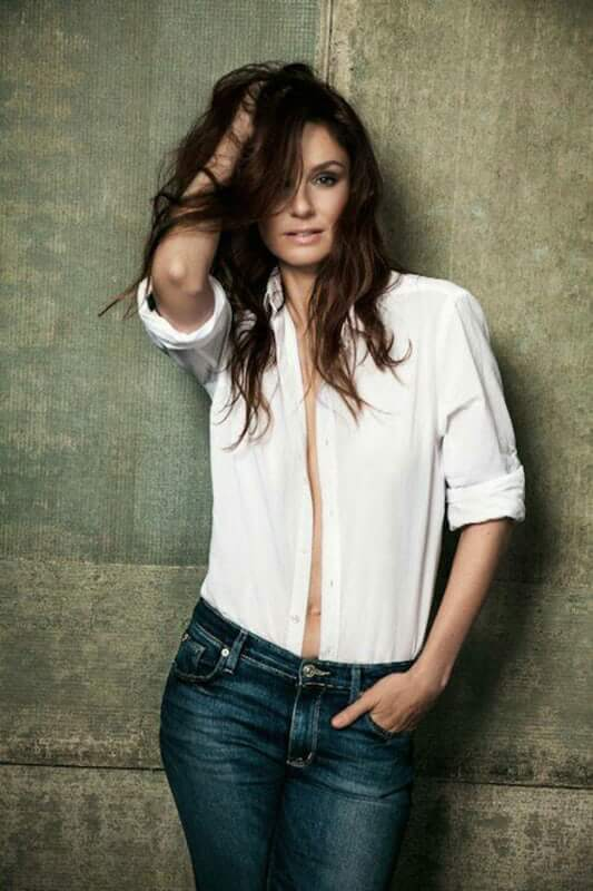 sarah wayne callies awesome look