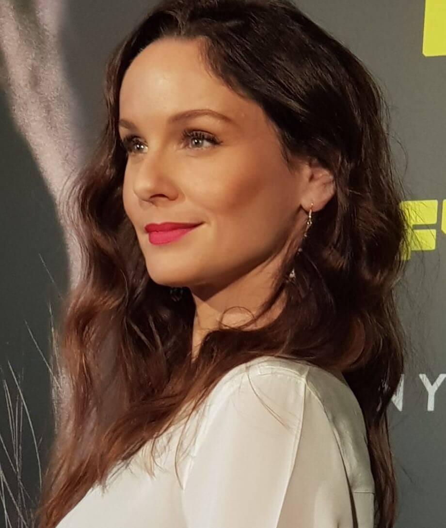 sarah wayne callies cute smile