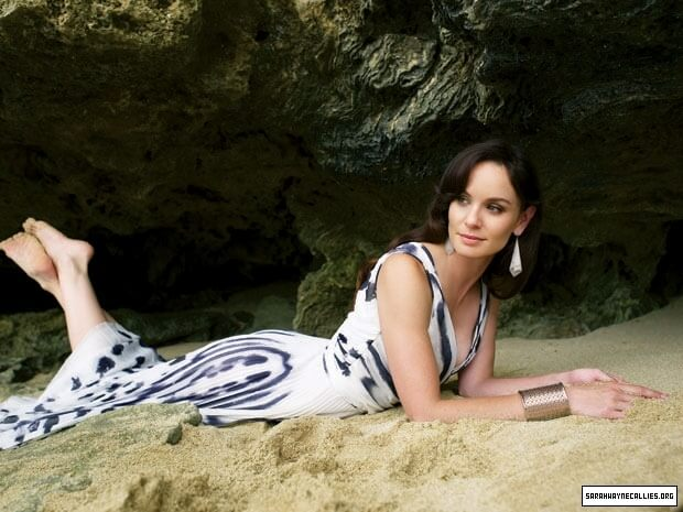 sarah wayne callies outdoor