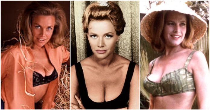 49 Hot Pictures Of Honor Blackman Which Expose Her Sexy Hour-glass Figure