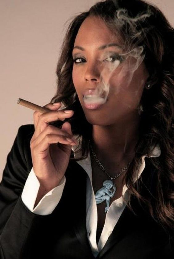 Aisha Tyler Smoking Cigrette