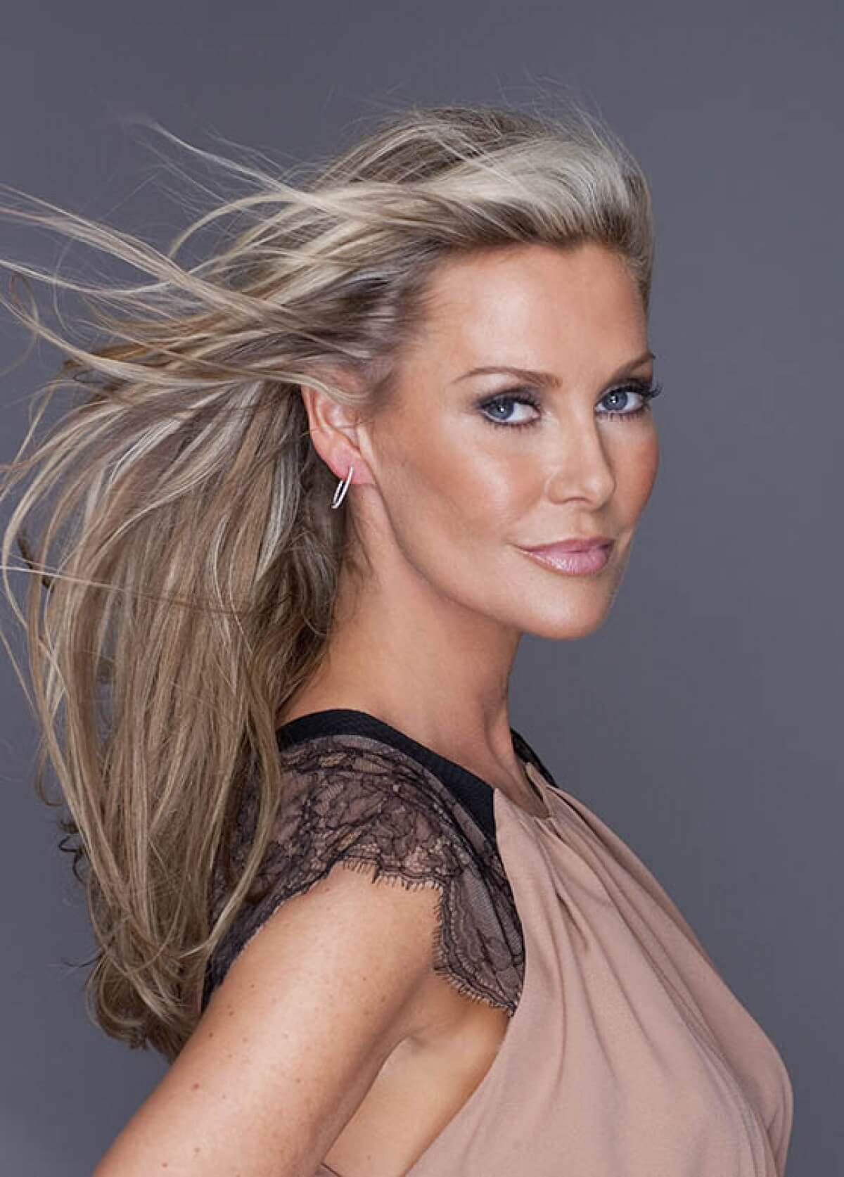 Alison Doody hot pictures
