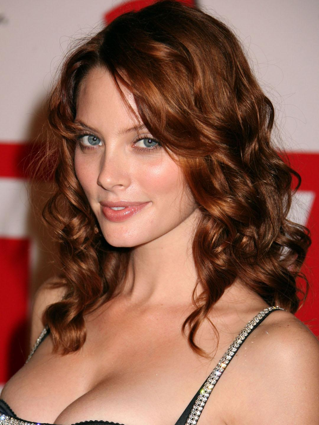 April Bowlby Sexy Big Boobs Pics