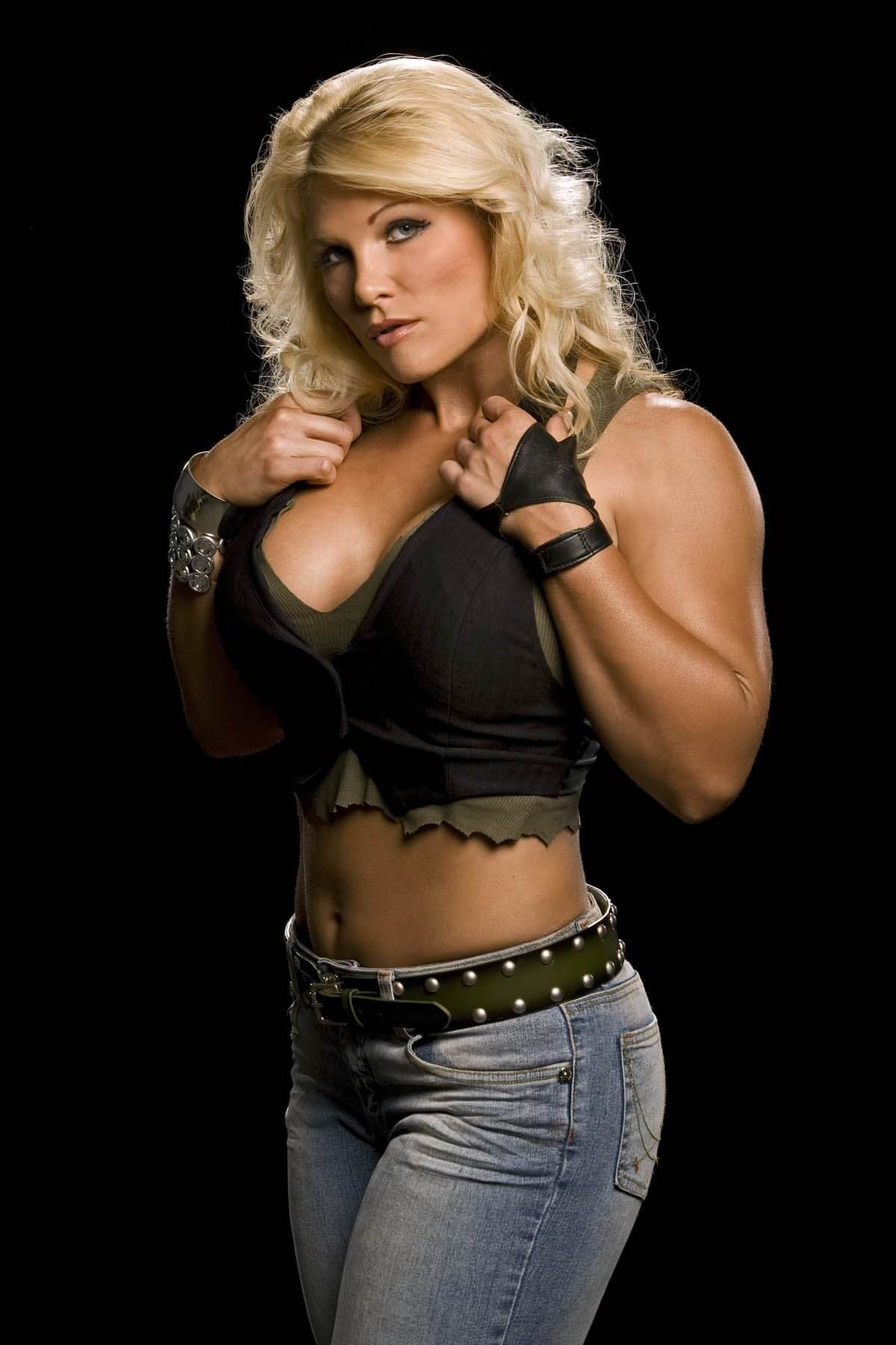 Beth-Phoenix awesome pic