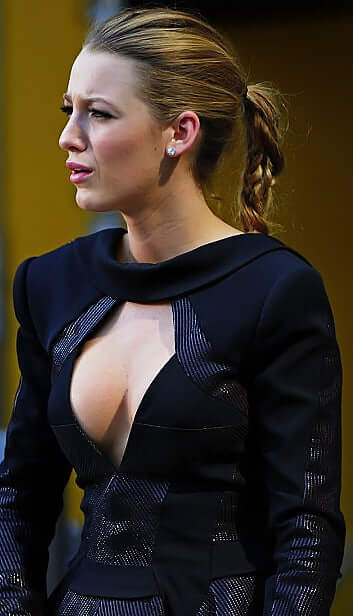 Blake Lively hot busty pic (2)
