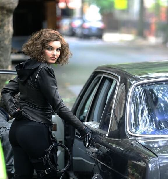 Camren Bicondova awesome butts