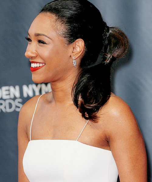 Candice Patton hot side pcitures (2)