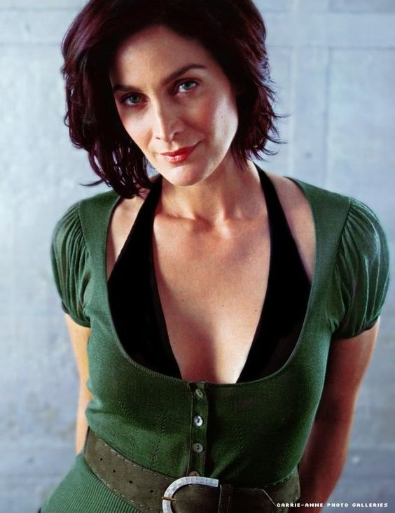Carrie Anne Moss Sexy Boob