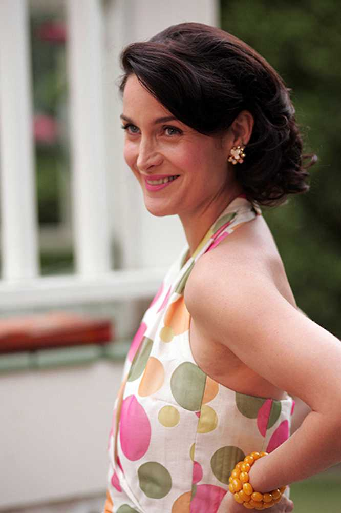Carrie Anne Moss Smile