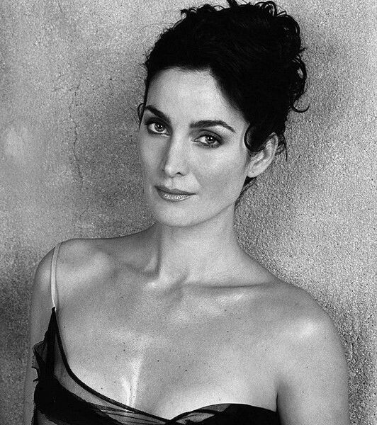 Carrie Anne Moss on Photoshoot Photo