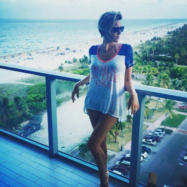 Charissa-Thompson thighs awesome pic