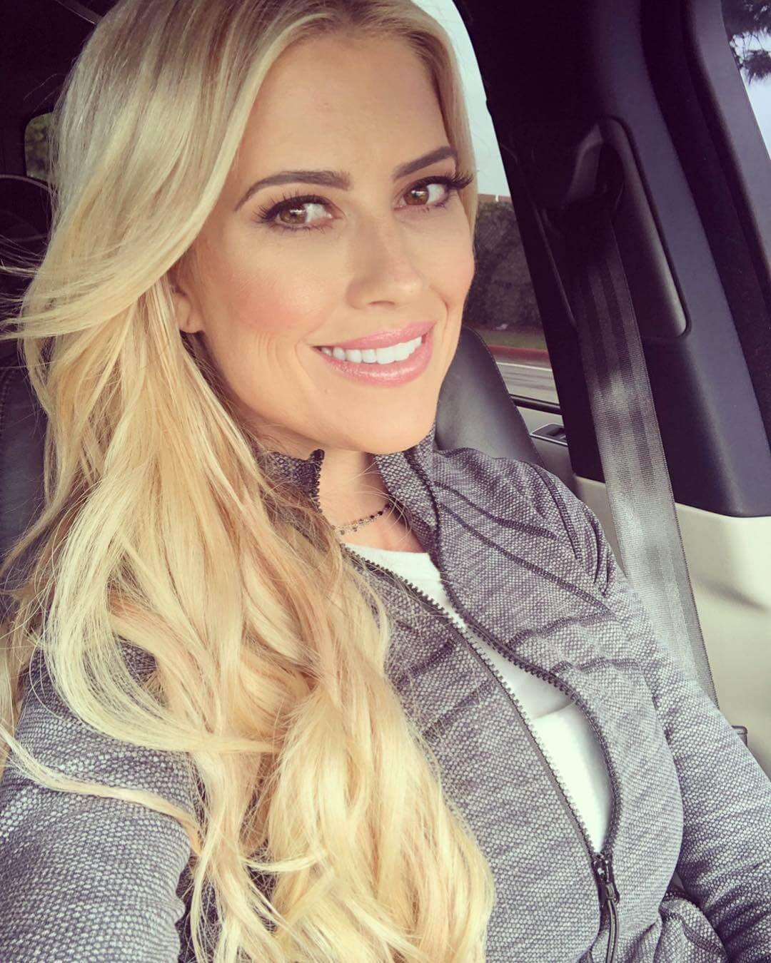Christina Anstead hairs pic