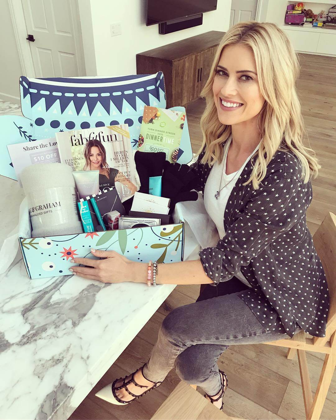 Christina Anstead hot hairs pic