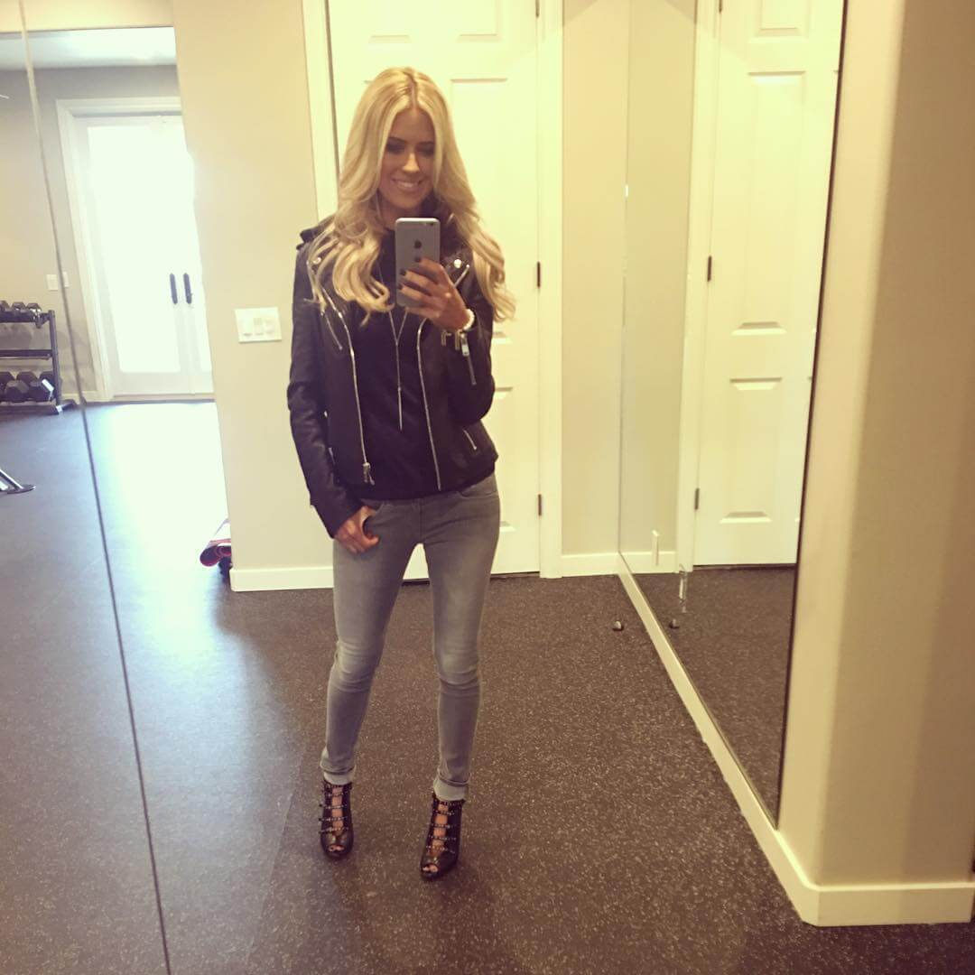 Christina Anstead hot selfie pic